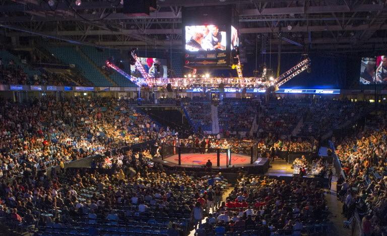 UFC 211 cartelera